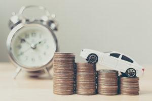 ミニカーとコイン